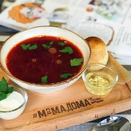 Borsch with pampushko and garlic butter